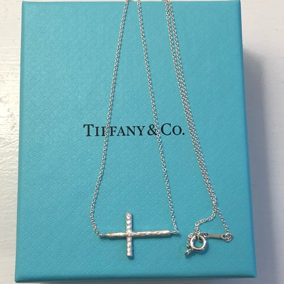 bac27905bc52c NWOT Tiffany & Co Hammered Cross Pendant